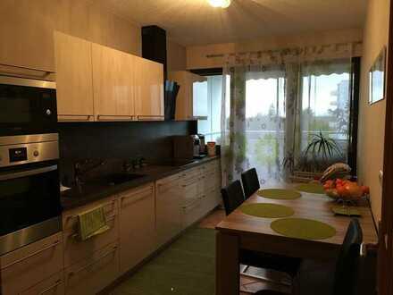 Gepflegte 3-Raum-Wohnung mit Balkon und Einbauküche in Weiterstadt