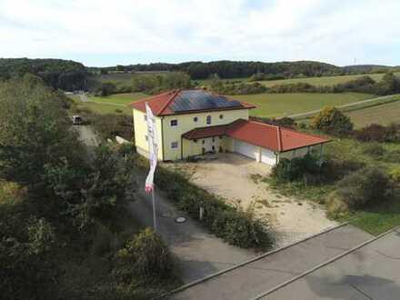 Wohnen und Arbeiten auf 3647 m² Gewerbegrundstück mit Platz für Halle
