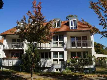 Helle geräumige 1,5 Zimmerwohnung im Ortskern von Eichwalde