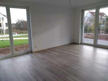 Neubau-Erstbezug: Schicke 3-Zimmer-Wohnung im Erdgeschoss