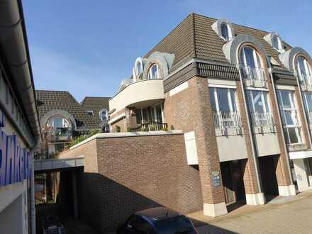 Neuwertige 3-Zimmer-Wohnung mit Dachterrasse und Einbauküche in Alpen-Zentrum