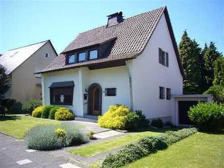 Attraktives Haus mit vier Zimmern in Hürth Hermülheim