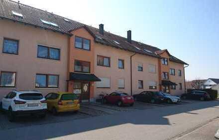 Gepflegte 2,5-Zimmer-Wohnung mit Balkon und Einbauküche in Abensberg