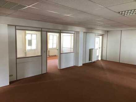 210m²-Büro-/Praxisfläche in gemütlicher Umgebung