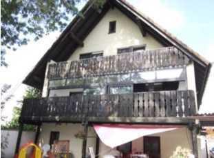 5-Zimmer- Haushälfte mit Balkon in Burgrieden