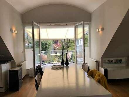 EINZIEHEN & WOHLFÜHLEN. Exklusiv möblierte Wohnung mit zwei Balkonen im Marschwegviertel.