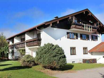Kapitalanlage – sonnige 74 m2 große 2-Zimmer Wohnung mit Balkon in ruhiger Lage in Marquartstein