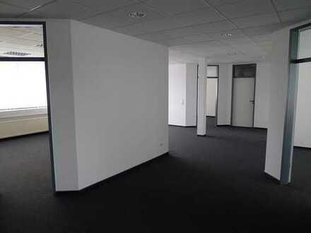 TOP LAGE Flexibel teilbare Büroflächen ab ca. 686m² in FfM Hedderheim 