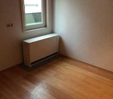 zentral gel. Zimmer in 72622 Nürtingen, Forststraße frei ab 01.05.2020 -7003-99
