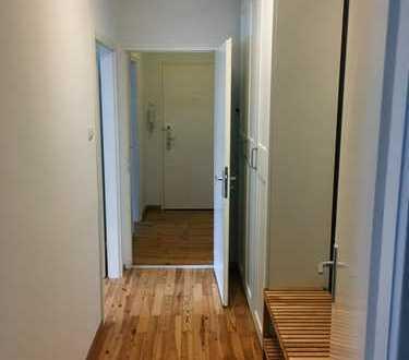 Modern, möbliertes Zimmer in einer 3er WG in der Maxvorstadt (Zimmerpreis 840 EUR warm)