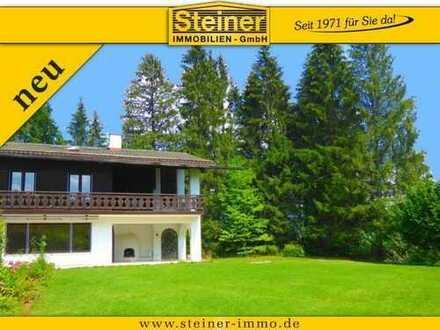 Eck-Haus in einer Landhaus-Anlage, Garten-Sondernutzung ca.1.150 m², Freisitz, Balkon, Stellplätze