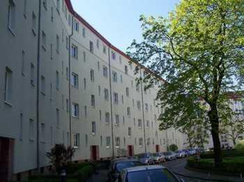Ruhige 2 Zimmer-Wohnung, frisch renoviert, mit Nolte EBK