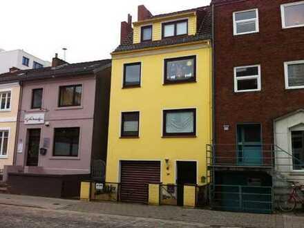 Kleine DG Wohnung mitten in der Neustadt