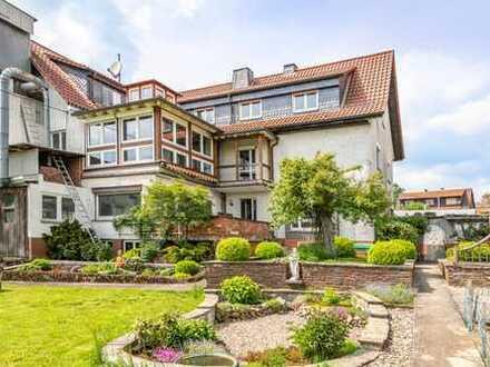 Schlüchtern-Gundhelm: Großzügiges Wohn- und Geschäftshaus mit großem Gartenbereich in ruhiger Lage