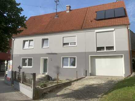 Erstbezug nach Sanierung mit Einbauküche: exklusives 4-Zimmer-Haus in Thannhausen