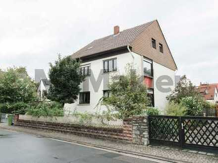 Mitten im begehrten Mainz-Bretzenheim: MFH mit 3 WE nahe Universität - Erbpachtgrundstück