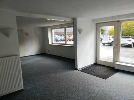In Lauflage! Zentral in Adelsdorf: Einzelhandel, Büro, Praxis. Hier ist vieles möglich!