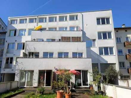 Kapitalanlage: Mehrparteienhaus mit Wohn- und Geschäftseinheiten in Pforzheim