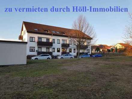 Höll-Immobilien vermietet wunderschöne 1-Zimmerwohnung mit Balkon in Langenbogen ab sofort