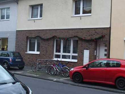 Ansprechende, modernisierte 3-Zimmer-DG-Wohnung in Flittard, Köln
