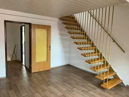 Helle Maisonette-2-Raum-Wohnung
