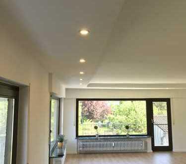 NEU RENOVIERTE 5 Zimmer Wohnung (145qm) in Obertshausen-Hausen
