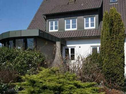 4,5-Zimmer-Wohnung EG in Landhausvilla mit Garten