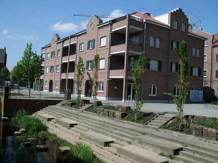 Wunderbare & gehobene 3-Zimmer-Wohnung mit zwei Balkonen (SW & SO) im 2. OG mitten im Zentrum