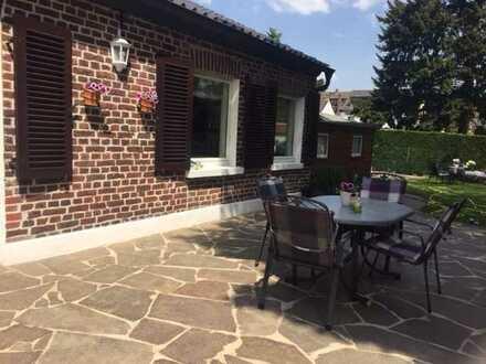Schönes und gepflegtes 6-Zimmer-Haus mit Garten zur Miete in Fischeln, Krefeld