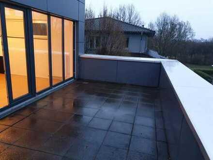 Schöne Wohnung mit 2 Dach-Terrassen