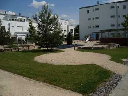 3 Zimmer Whg., Bahnhofsnähe , im Grünen