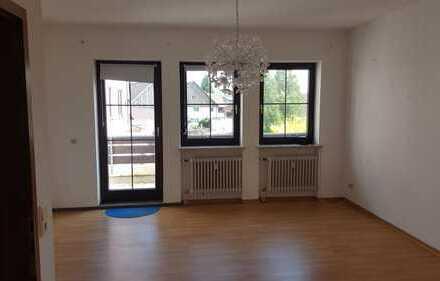 Sanierte 2-Zimmer-Wohnung mit Balkon und EBK in Türkheim