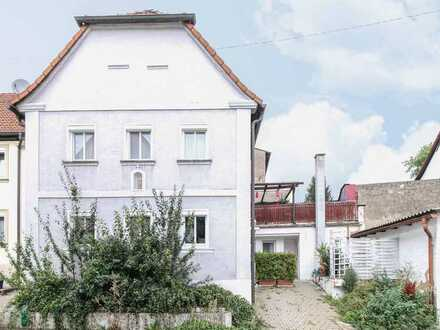 Gemütlich wohnen in topangebundener Lage: Charmante 3-Zi.-Altbauwohnung in begehrter Lage