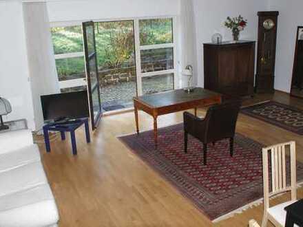 Großzügige 1-Zimmer-Terrassenwohnung mit Einbauküche (teilmöbliert)