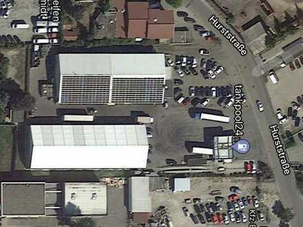 Industrie- und Lagerhallen mit Freifläche