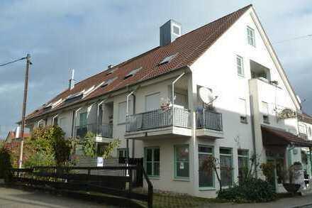 Attraktive, renovierte 2-Zimmerwohnung mit Westbalkon in zentrumsnaher Lage