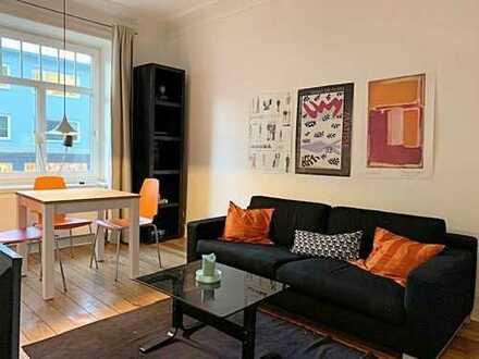 Möblierte 2,5 Zimmer Altbauwohnung mitten in Hamburg-Winterhude zu vermieten