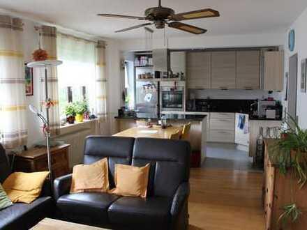 Platz für die ganze Familie: Schöne 4 - Zi. Wohnung in Germering über 2 Etagen