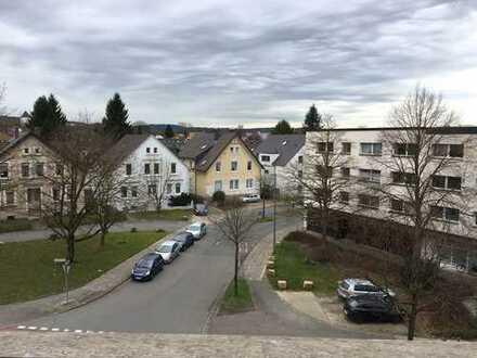 Stadtnahe 3er WG mit Balkon und Wohnzimmer ab 01.07.18