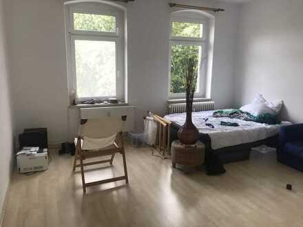 20qm Zimmer direkt neben Mensa (optional mit Möbeln)