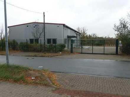 Gewerbegrundstück mit Werkstatthalle / Waschhalle / Büro / Freifläche