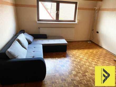 Großzügige 4 Zimmer Wohnung Teilmöbliert