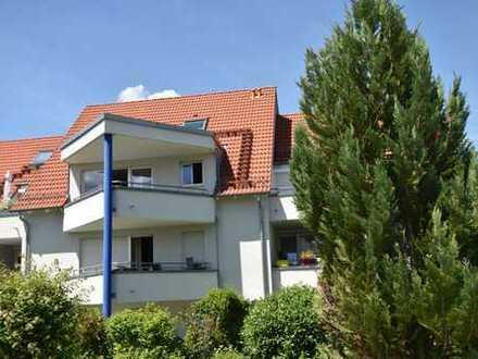Hochwertige Maisonettewohnung mit großem Balkon und zwei Einzelgaragen