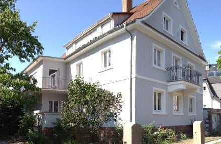Traumhafte Altbauwohnung 3,5 Zimmer, Karlsruhe Durlach, Premium-Lage mit Turmberg- Blick!