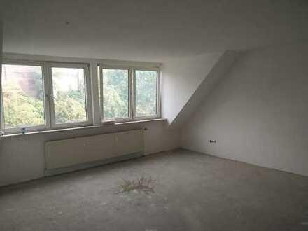Tolle Dachgeschosswohnung in Duisburg-Laar