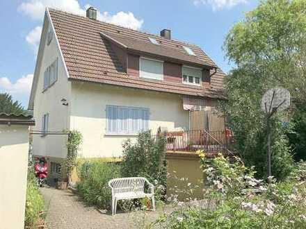 Frei stehendes Ein- bis Zweifamilienhaus mit großem Garten in Plüderhausen!