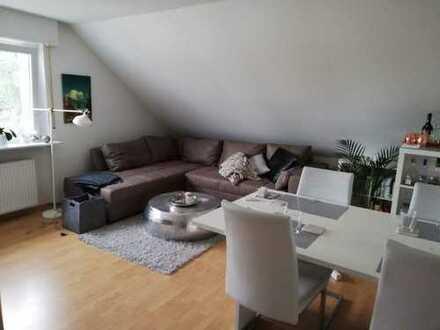 gepflegte, renovierte 3-Zimmerdachwohnung / Waldsiedlung