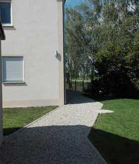 Neuwertige 3,5-Zimmer-Dachgeschosswohnung mit Balkon und Einbauküche in Untermaxfeld