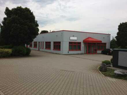 Modernes Industrie und Handwerksgebäude