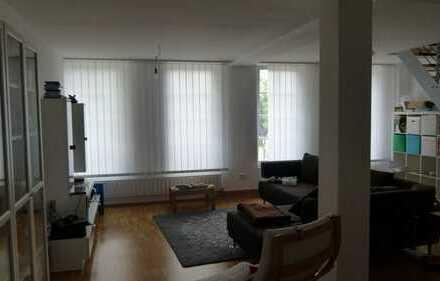 Sehr schöne Maisonette-Wohnung auf 2 Etagen 4,5 Zimmer ca. 130qm